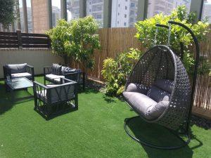 מערכת ישיבה לגינה וערסל נדנדה תלוי בצבעי אפור כהה